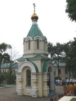 Фото. Владивосток. За прошедшие десять лет свыше тысячи моряков приняли Крещение в часовне св. прав. Феодора Ушакова