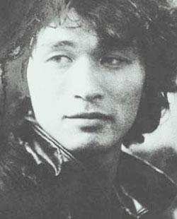 Фото. Легендарный певец Виктор Цой (иллюстрация из журнала