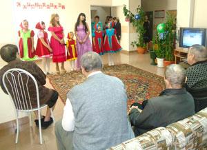Помощь пожилым людям на дому спб