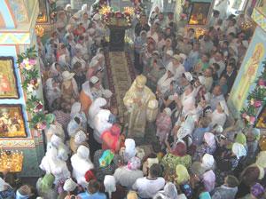 Фото. Спасск-Дальний. Архиепископ Вениамин совершает первую литургию в новоосвященном Вознесенском храме