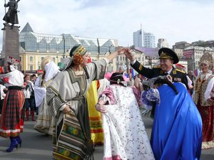 Фото. Владивосток. Праздник «Приморье хлебосольное» и сбор пожертвований на Преображенский кафедральный собор