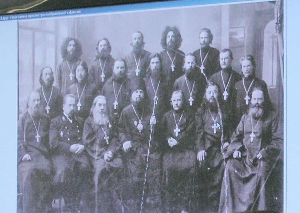 На кафедре теологии ДВФУ провели круглый стол, посвященный жертвам политических репрессий